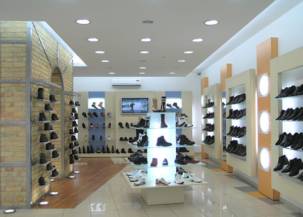 footwear store display ideas