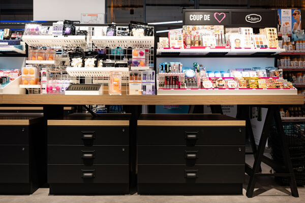 cosmetic shop cabinet