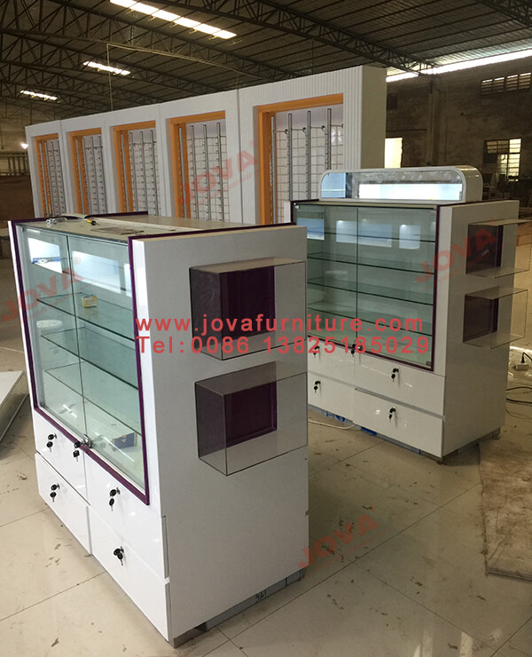 optical showcases wholesale