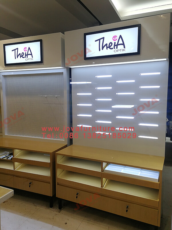 new optical displays for shop