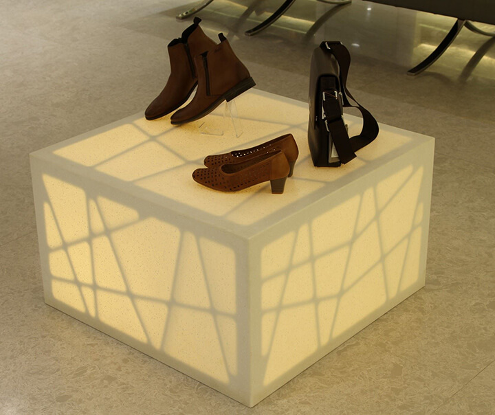 shoes display table