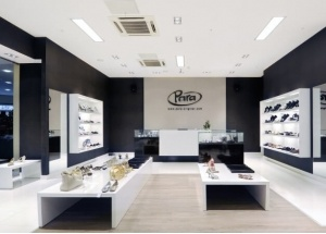 Retail shoes store interior design ideas