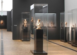 museum display ideas glass museum cases