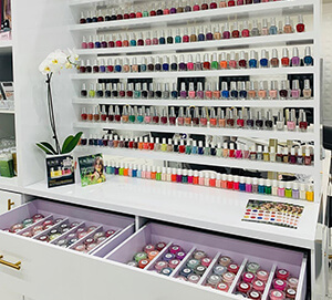 Nail wall displays and manicure tables Feedback from USA