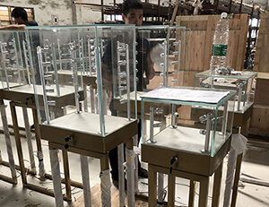 Metal jewelry showcases for UK project